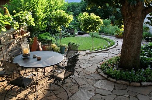 gạch lát sân vườn biệt thự Viglacera