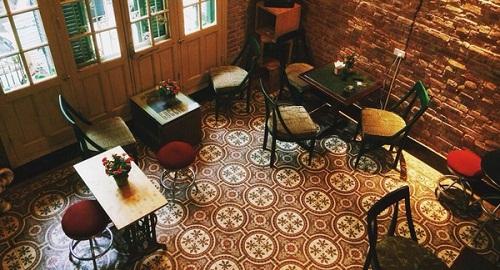 Mẫu gạch lát nền quán cà phê theo nhiều phong cách – cực ấn tượng